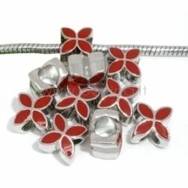 """Pandora karoliukas """"Keturlapė gėlė"""", emaliuotas, raudonas, 13x10 mm"""