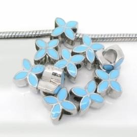 """Pandora karoliukas """"Keturlapė gėlė"""", emaliuotas, žydras, 13x10 mm"""