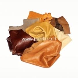Natūralios drabužinės odos atraižos, žemės sp., 150 g.