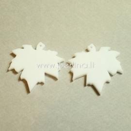 "Org. stiklo detalė-pakabukas ""Klevo lapas"", baltos sp., 3,7x3,5 cm"